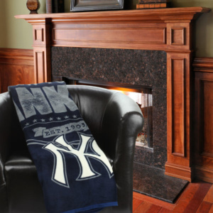 New York Yankees The Northwest Company 46″ x 60″ Structure Micro Raschel Plush Blanket