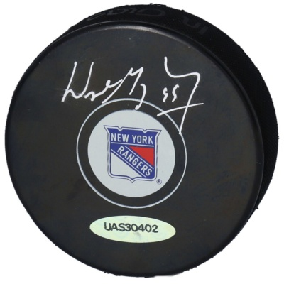 Wayne Gretzky New York Rangers Autographed Hockey Puck -