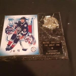 NY Rangers Wayne Gretzky limited edition plaque.
