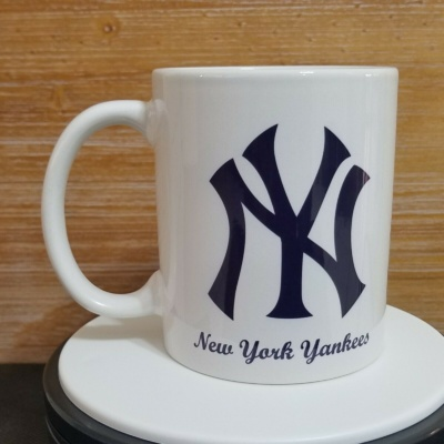 NEW YORK YANKEES Mug