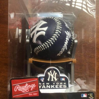Rawlings New York Yankees Baseball & Stadium Seat Display