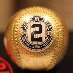 DEREK JETER FINAL HOME GAME SEASON 9/25/14 OFFICIAL GOLD BALL