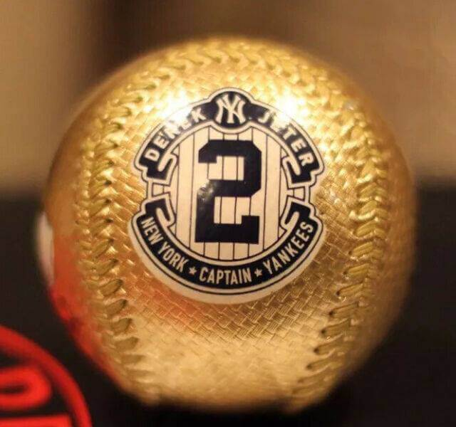DEREK JETER FINAL HOME GAME SEASON 9/25/14 OFFICIAL GOLD BALL